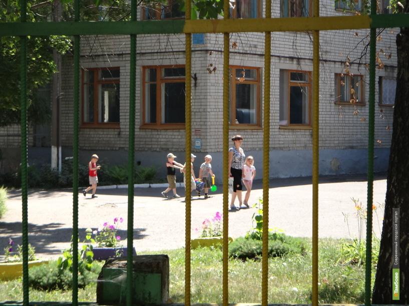 Власти Тамбова благоустроят территории вокруг детских садов