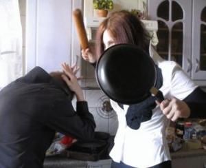 Тамбовчанка убила своего гостя сковородкой
