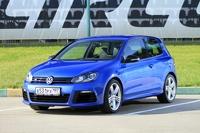 Недельный марафон на Volkswagen Golf R: спокойно, боком и 230 км/ч