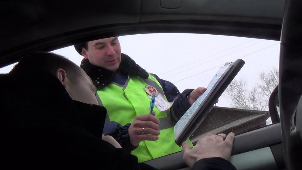 Дуракам закон не писан: пьяный тамбовчанин за рулём протаранил припаркованный автомобиль