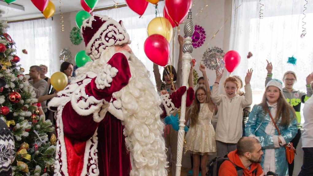 Дедушка Мороз навестит детишек в больнице на новогодних праздниках