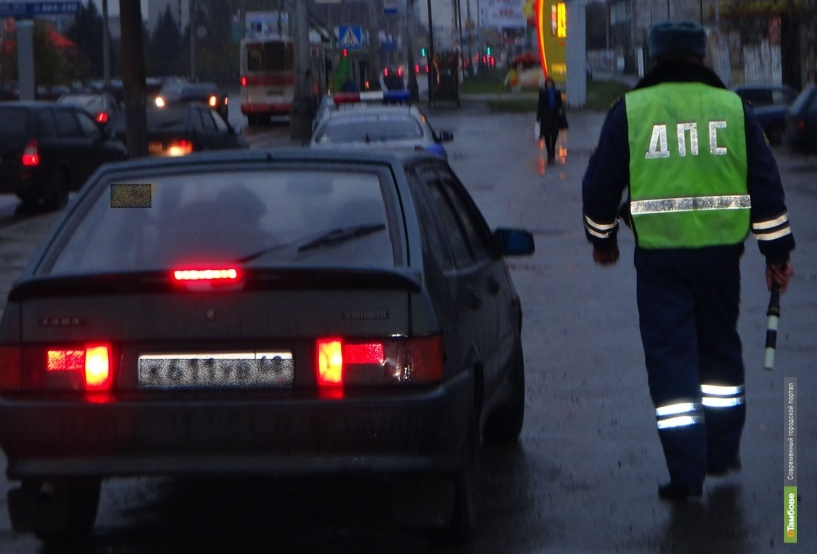 Тамбовчанина осудят за применение насилия и публичное оскорбление полицейского