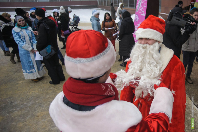 Деды Морозы и Снегурочки пробегут 2015 метров
