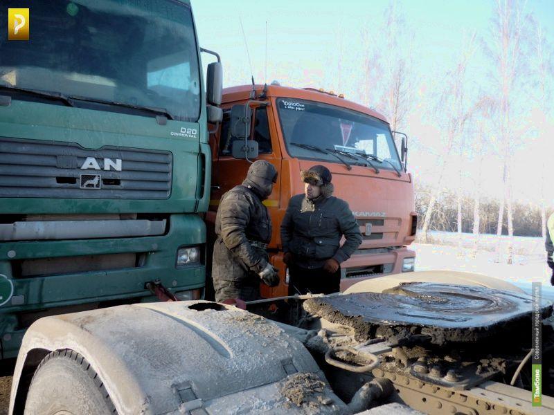 Под Рассказово замёрзла молдавская фура
