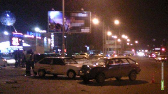 В ДТП на Пролетарской пострадали две 17-летние девушки