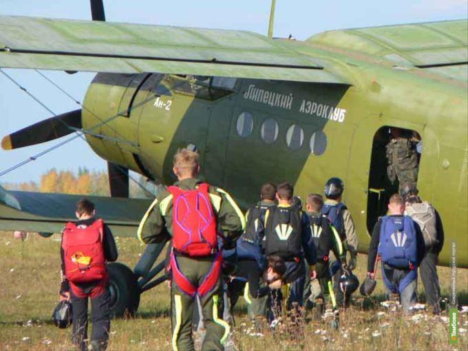 """Для парашютистов в Тамбов пригонят 4 новых """"Аннушки"""""""