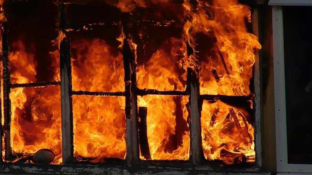 В Мордовском районе при пожаре в квартире погибла девушка