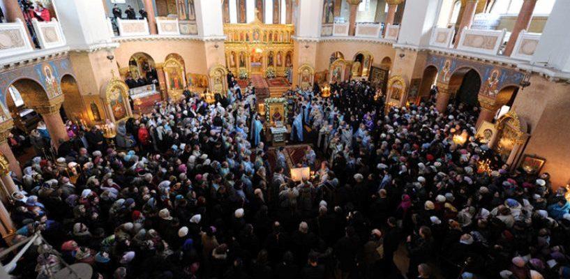 За месяц миллион человек поклонилось мощам Николая Чудотворца в Москве