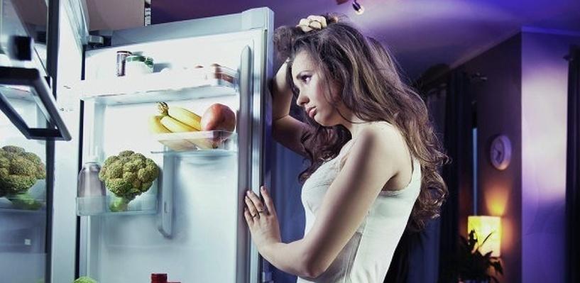 Японцы изобрели холодильник, который приезжает на голос хозяина
