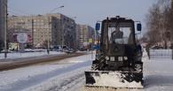 Дорожники весь день расчищали город