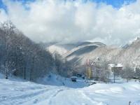 К Олимпиаде в Сочи готовят кучи снега