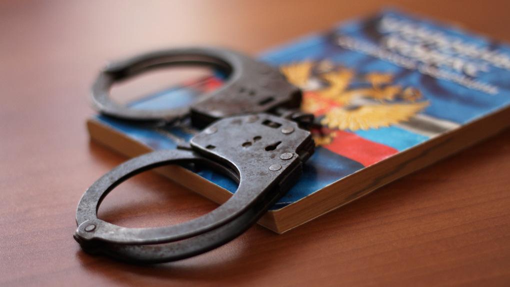 Следователи отрабатывают версию о причастности одного мужчины к двум резонансным преступлениям