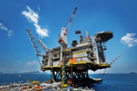 Нефтяники и газовики отмечают сегодня профессиональный праздник