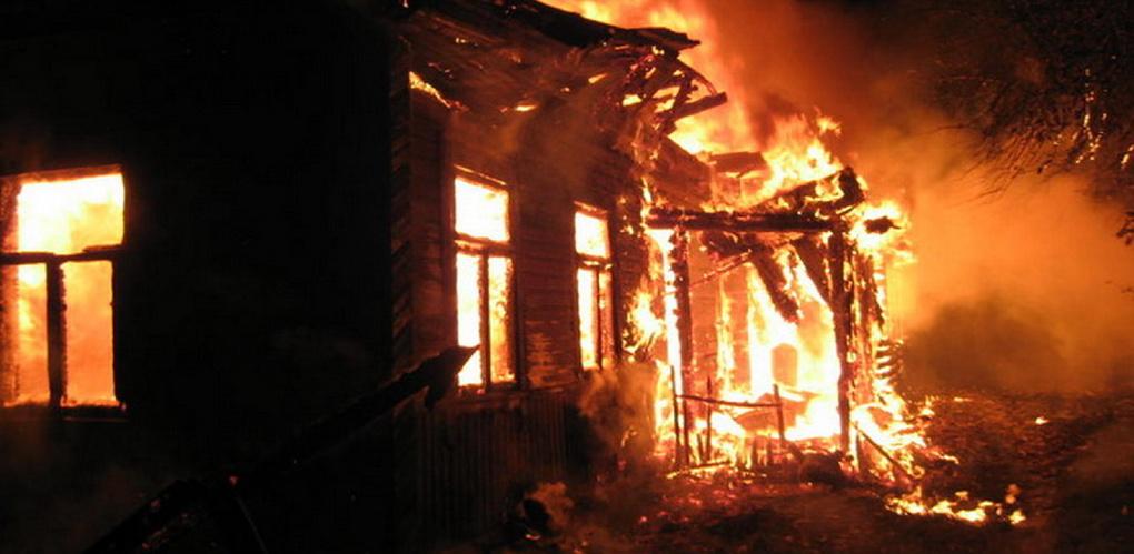 В Рассказово горел деревянный дом: есть пострадавшие
