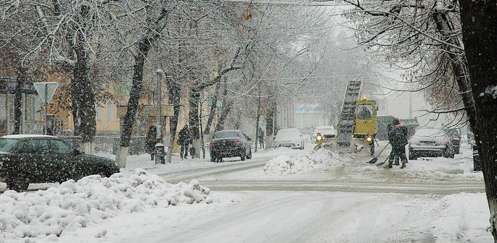 С улиц Мичуринска вывезли больше 45-ти грузовиков снега
