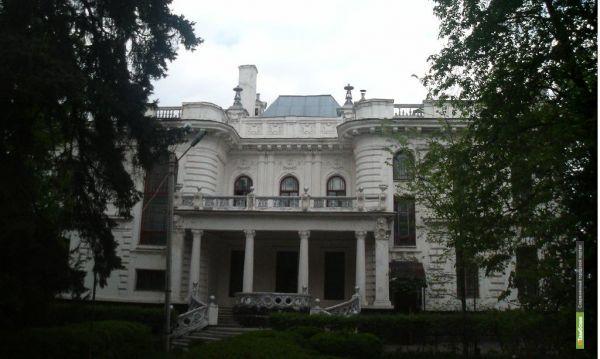 Дмитрий Медведев решит судьбу тамбовского ГУМа и дома Асеева