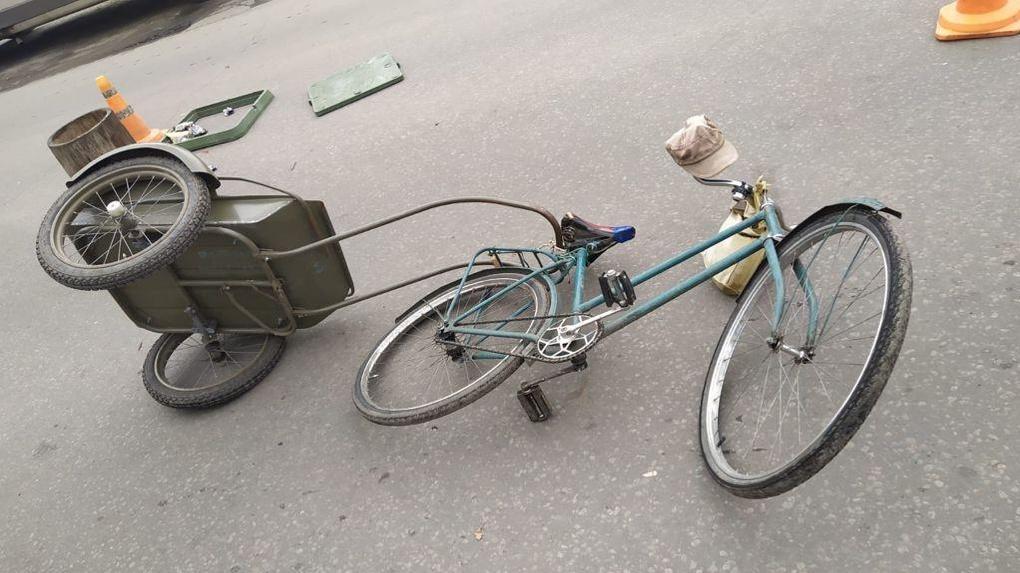В Мичуринске кроссовер сбил пожилого велосипедиста