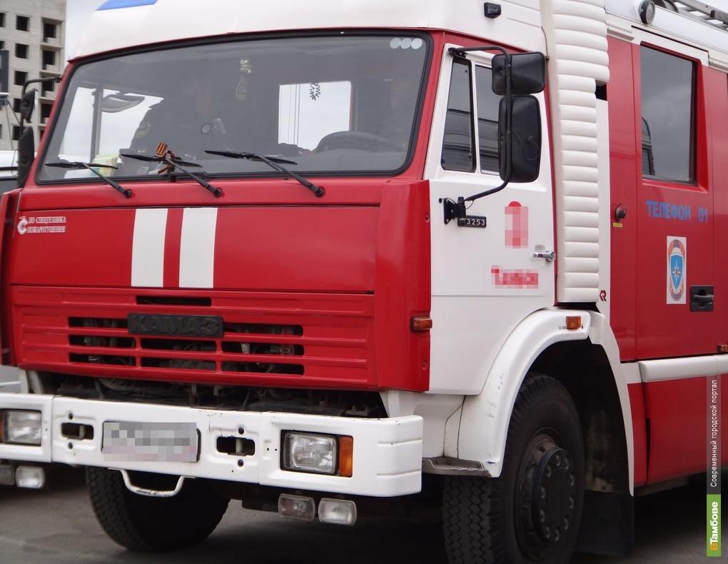 При пожаре на западе Тамбова пострадала женщина