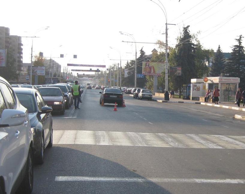 В центре Тамбова автомобиль BMW сбил подростка