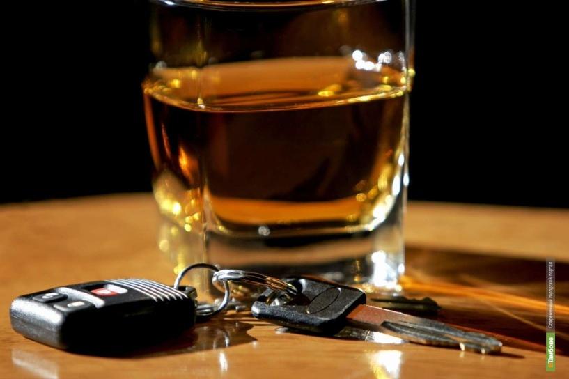 За езду в пьяном виде предлагают пожизненно лишать прав