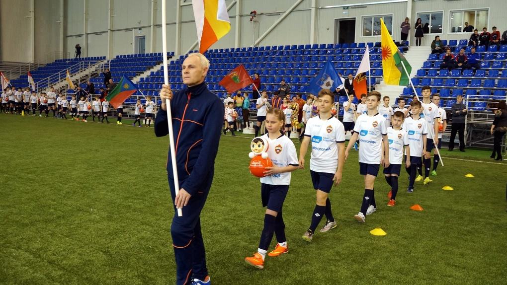 Тренер «армейцев» признался, что в Тамбове футбольное покрытие лучше, чем в манеже ЦСКА