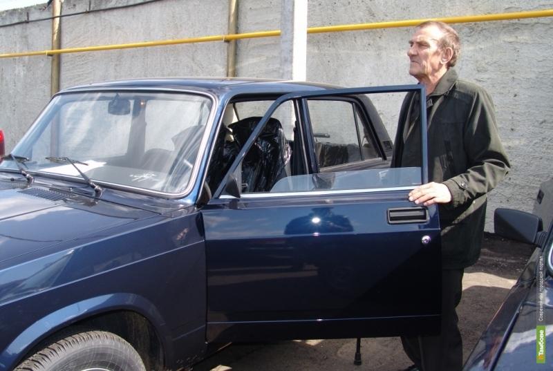 """Пятеро тамбовчан получили ключи от новеньких """"Жигулей"""""""