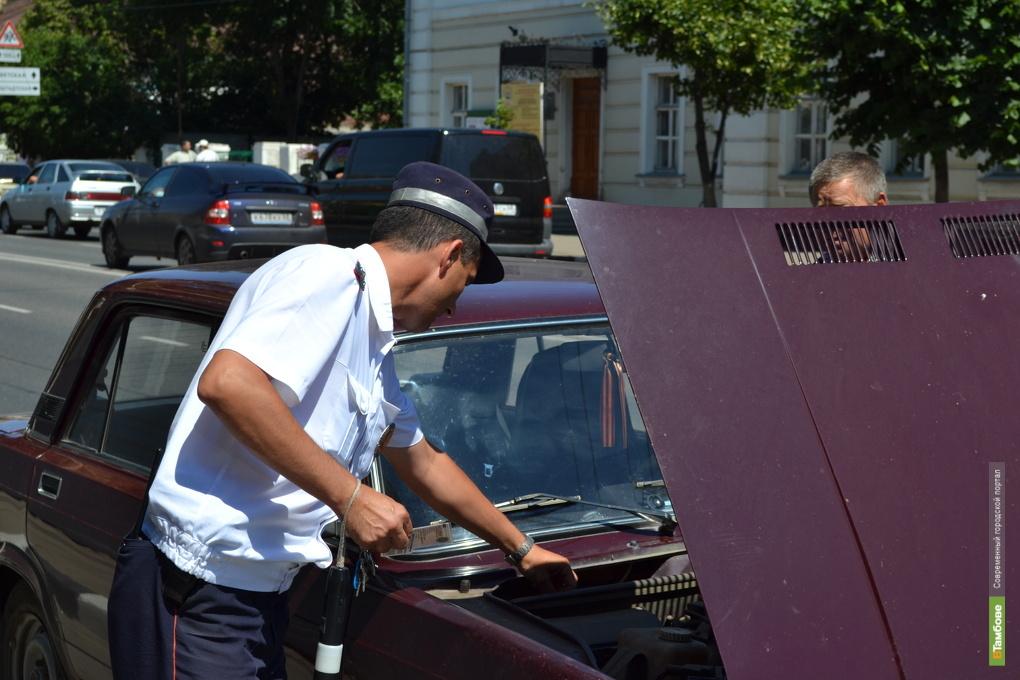 Автоинспекторы отметили профессиональный праздник на посту