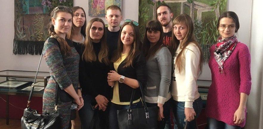 Студенты Президентской академии посетили выставку, посвященную 80-летию области
