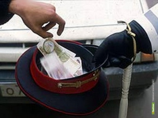 Бывшего инспектора ДПС подозревают в получении взятки
