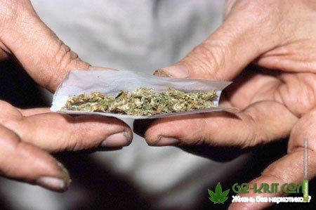Сотрудник тамбовской вневедомственной охраны попался на наркотиках