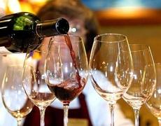 Главный нарколог РФ: бокала вина в неделю для здоровья хватит