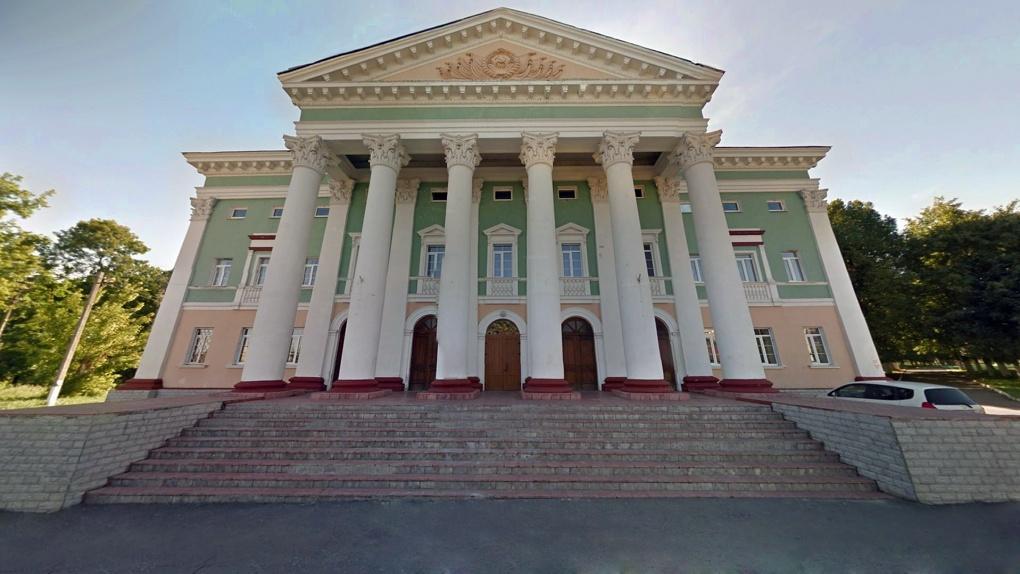 Работники культуры в области могут получить 50 или 120 тысяч рублей в качестве стимулирующих выплат