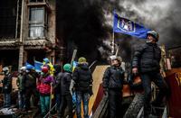 Перемирию конец? Демонстранты оттеснили силовиков с Майдана