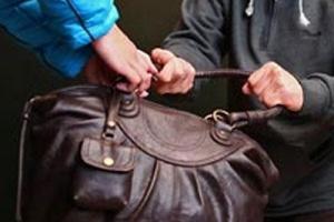 50-летнюю тамбовчанку ограбили в центре города