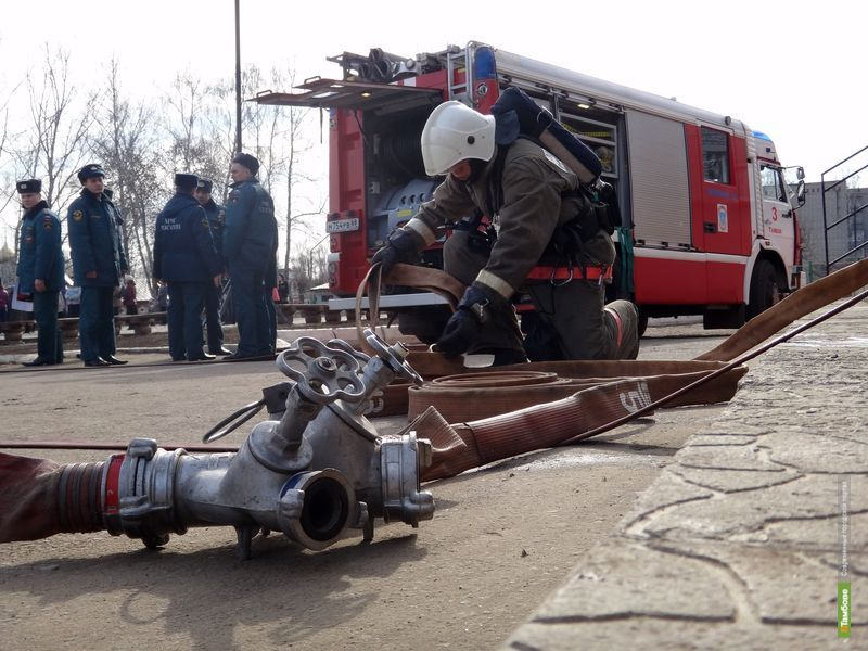 За выходные тамбовских пожарных трижды поднимали по тревоге