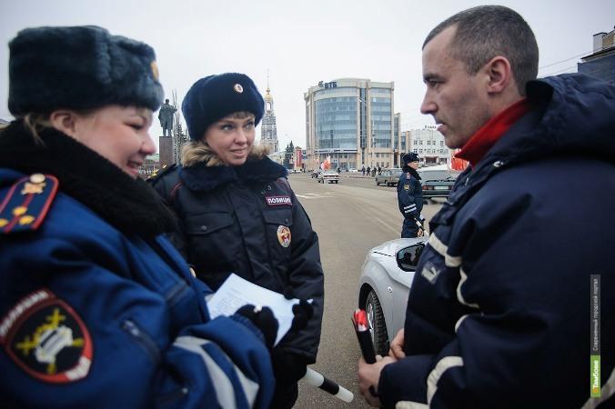 Праздничный патруль ДПС поздравил тамбовских автолюбителей
