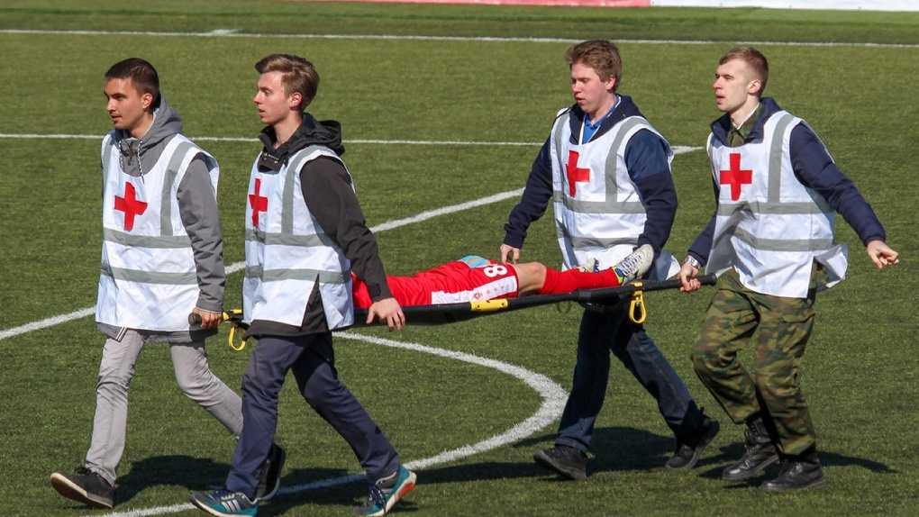 Тамбовский футболист получил разрыв лёгкого в игре против питерского «Динамо»
