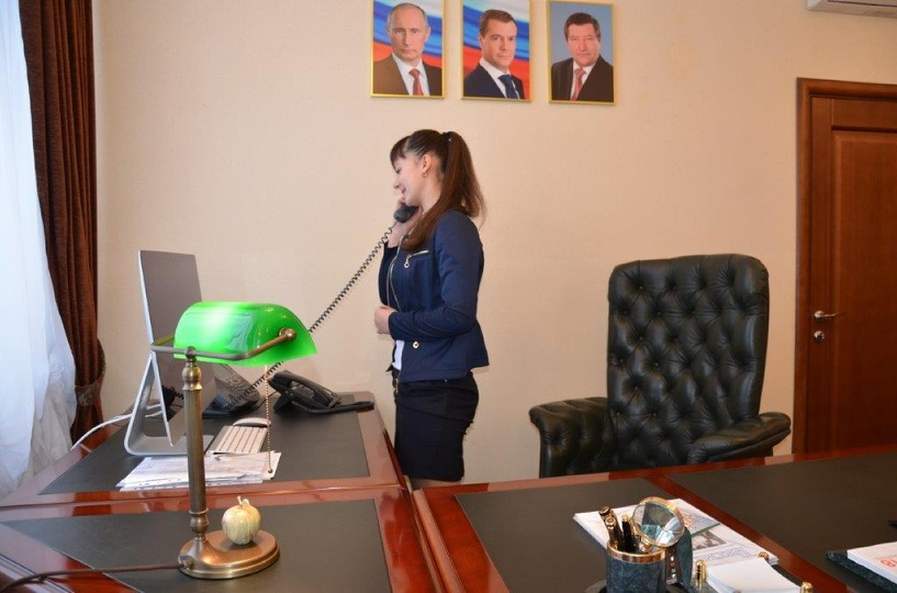 Рассказовская школьница заняла кресло главы города
