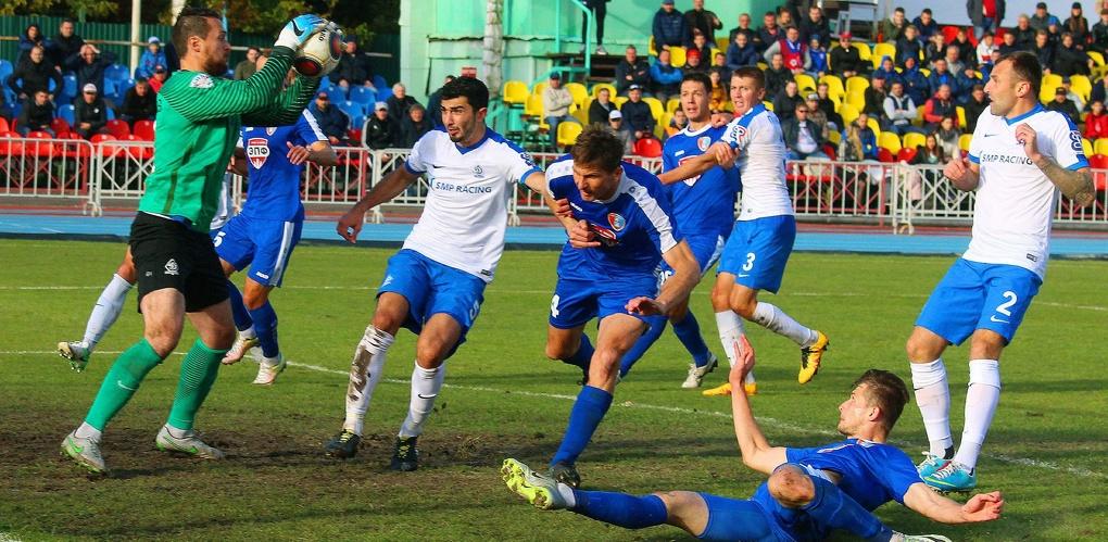 Футбольные клубы «Тамбов» и «Динамо-СПб» сыграли вничью