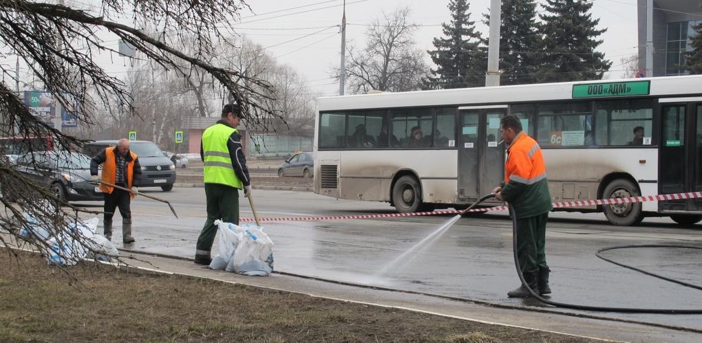 Тамбовские дорожники начали весеннюю уборку «Пасхальных маршрутов»