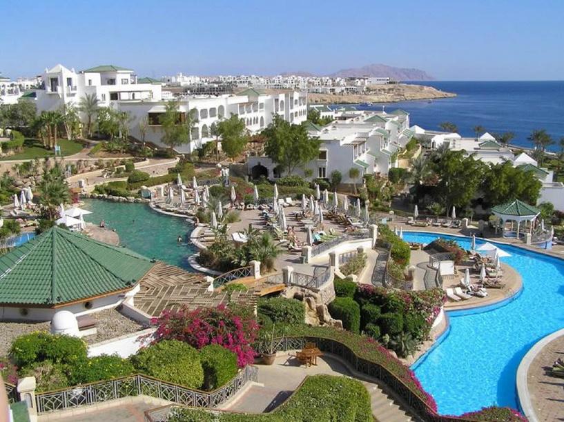 МИД посоветовал российским туристам не покидать египетских курортов