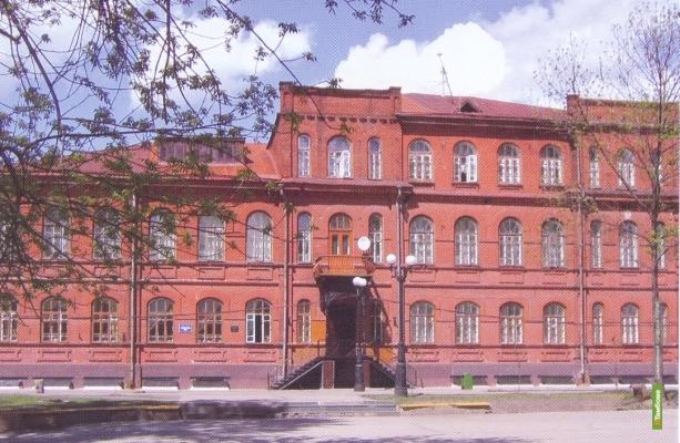 Директор тамбовской гимназии №7 заработала за год больше коллег
