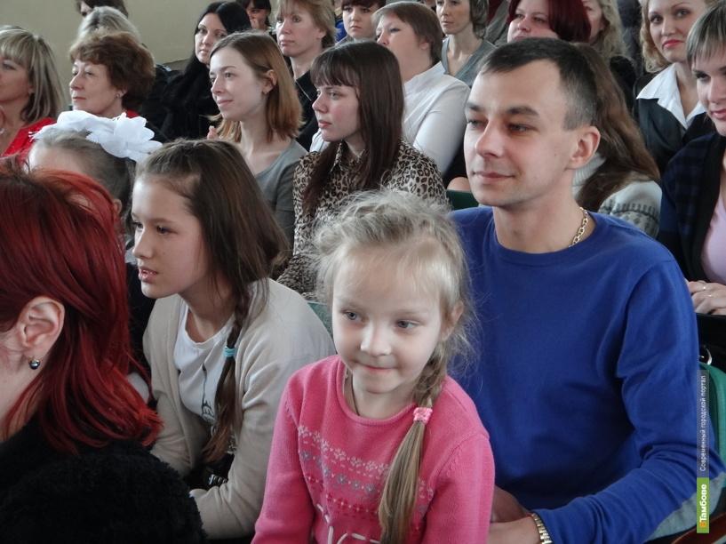 Работников детских садов на Тамбовщине ждет повышение зарплаты