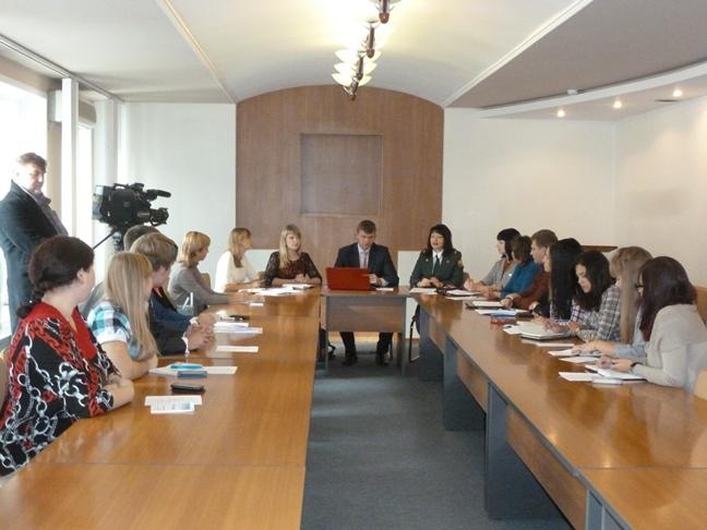 Молодые парламентарии хотят создать организацию, которая поможет в трудоустройстве
