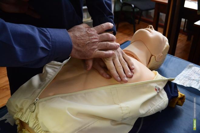 Будущие спасатели оказывали первую помощь манекену по имени Анна