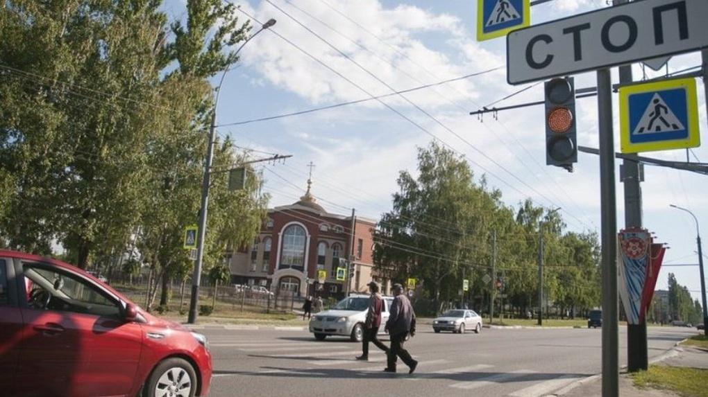 Дождались: у православной гимназии наконец появились светофоры