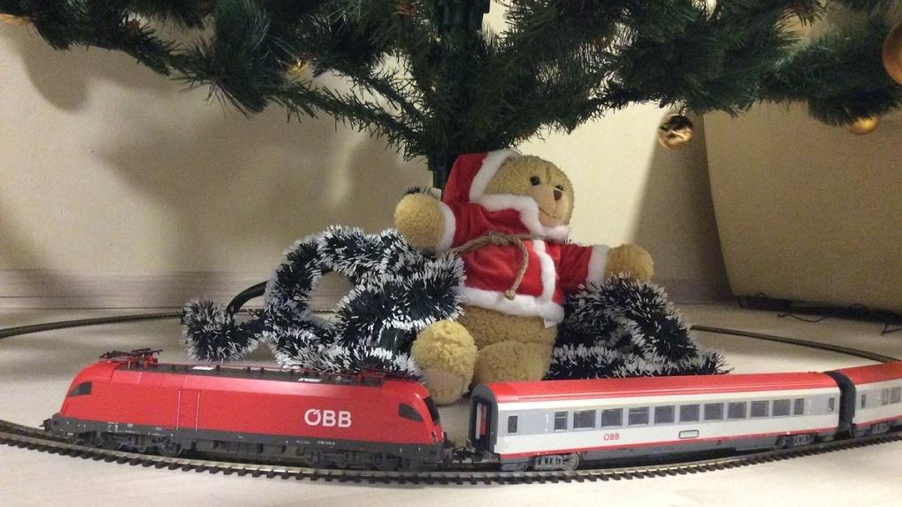Пассажиры рассказали, как они создают себе новогоднее настроение в пути