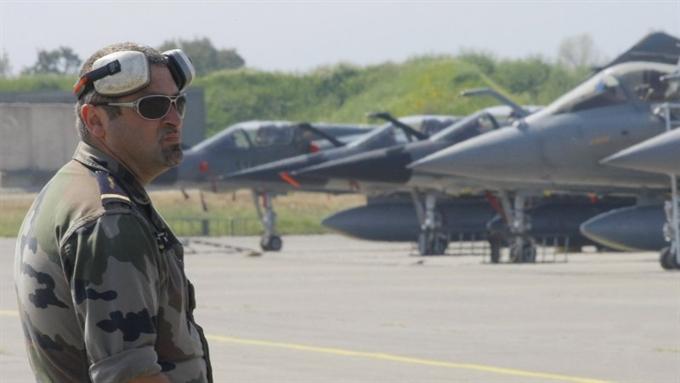 НАТО грозит России стянуть войска в Восточную Европу