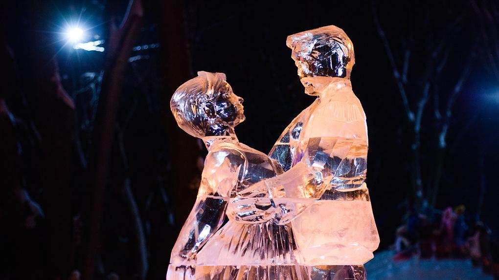 Скульптуры не простые, а ледяные