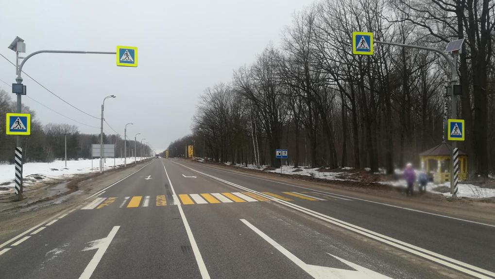 УАЗик сбил девушку на пешеходном переходе